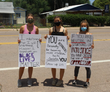 Patagonia Residents Protest Racism and Police Brutality